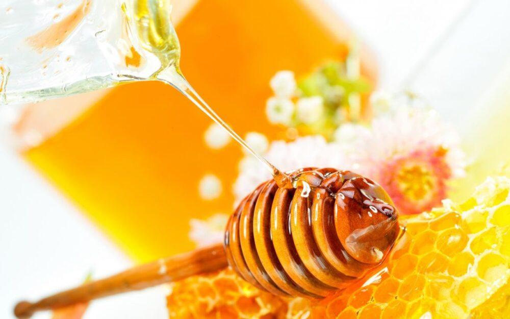 Có được mang mật ong lên máy bay không?