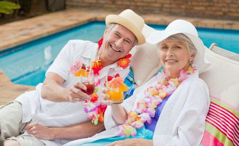 Những điều cần lưu ý khi đi du lịch cho người cao tuổi